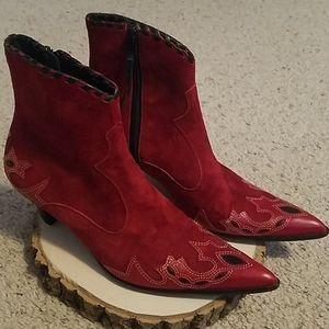 Antonio Melani Red Booties Sz 7.5M